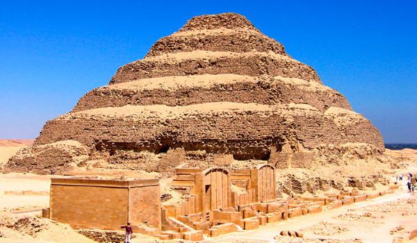 Пирамида Джосер